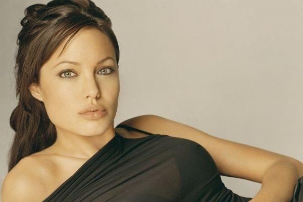 Секс-террорист Анджелина Джоли и её пакостные поступки. 2