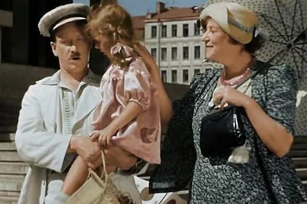 ЛЕБУХОВ. АВТОРСКОЕ. В РАБОТЕ. Звезды отечественного экрана, которые отказались от материнства, чтобы достичь успеха в карьере. фр