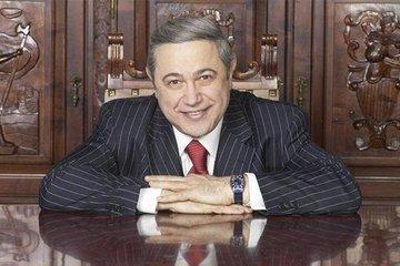Почему Евгений Петросян не может расплатиться за коммунальные услуги